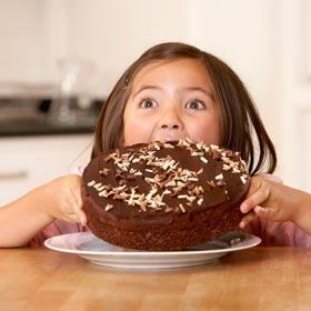 227184733_girl_eating_chocolate_cake_280X280_answer_2_xlarge